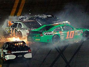 Danica Patrick crashes at the Daytona 500