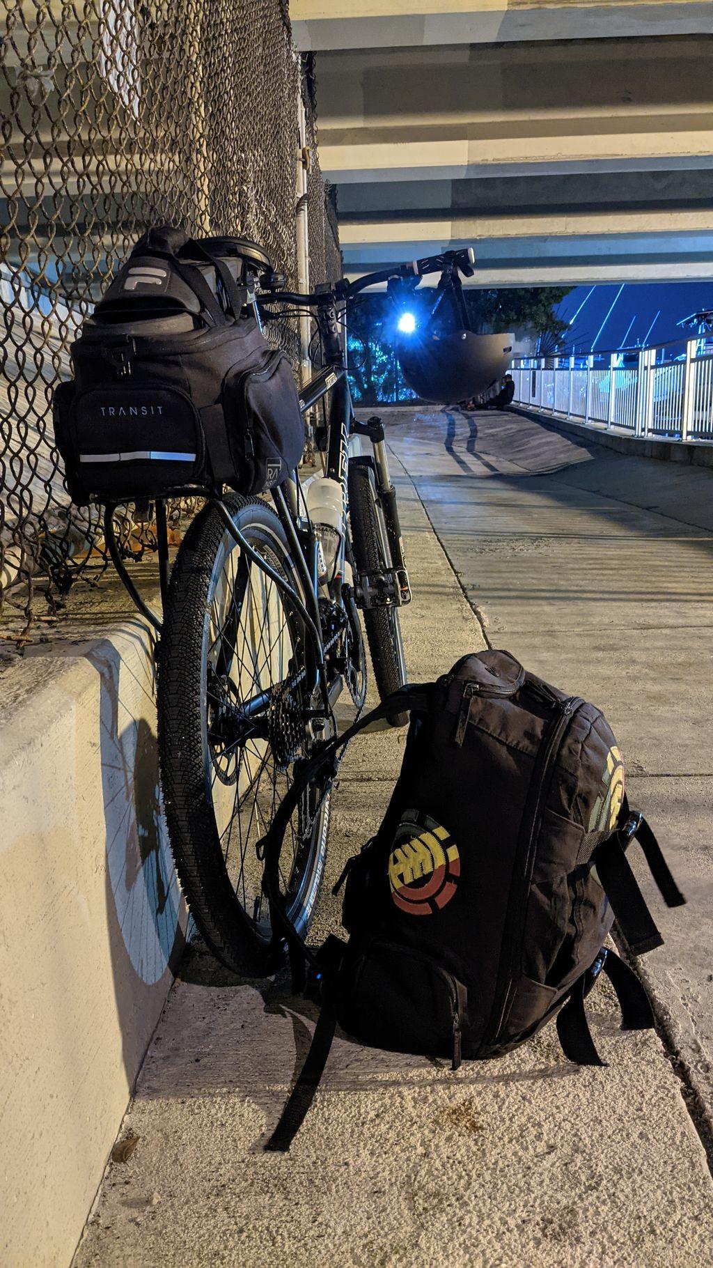 Trek Fule 70 under bridge
